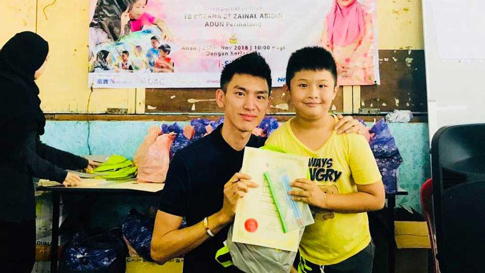 CSR: Read to Lead - Anton with Child | MaxiHomes